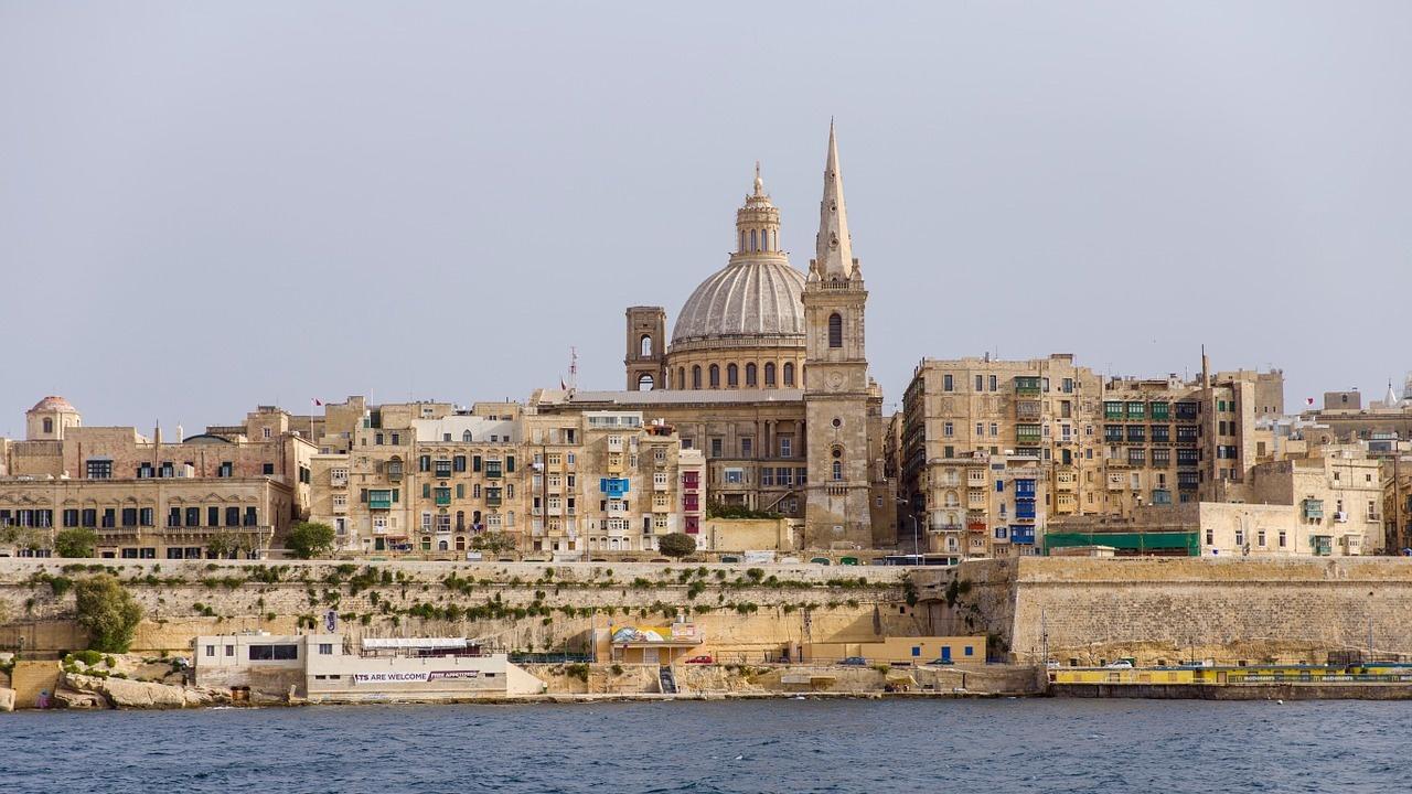 Малта отваря пак магазини и се готви за туристическия сезон