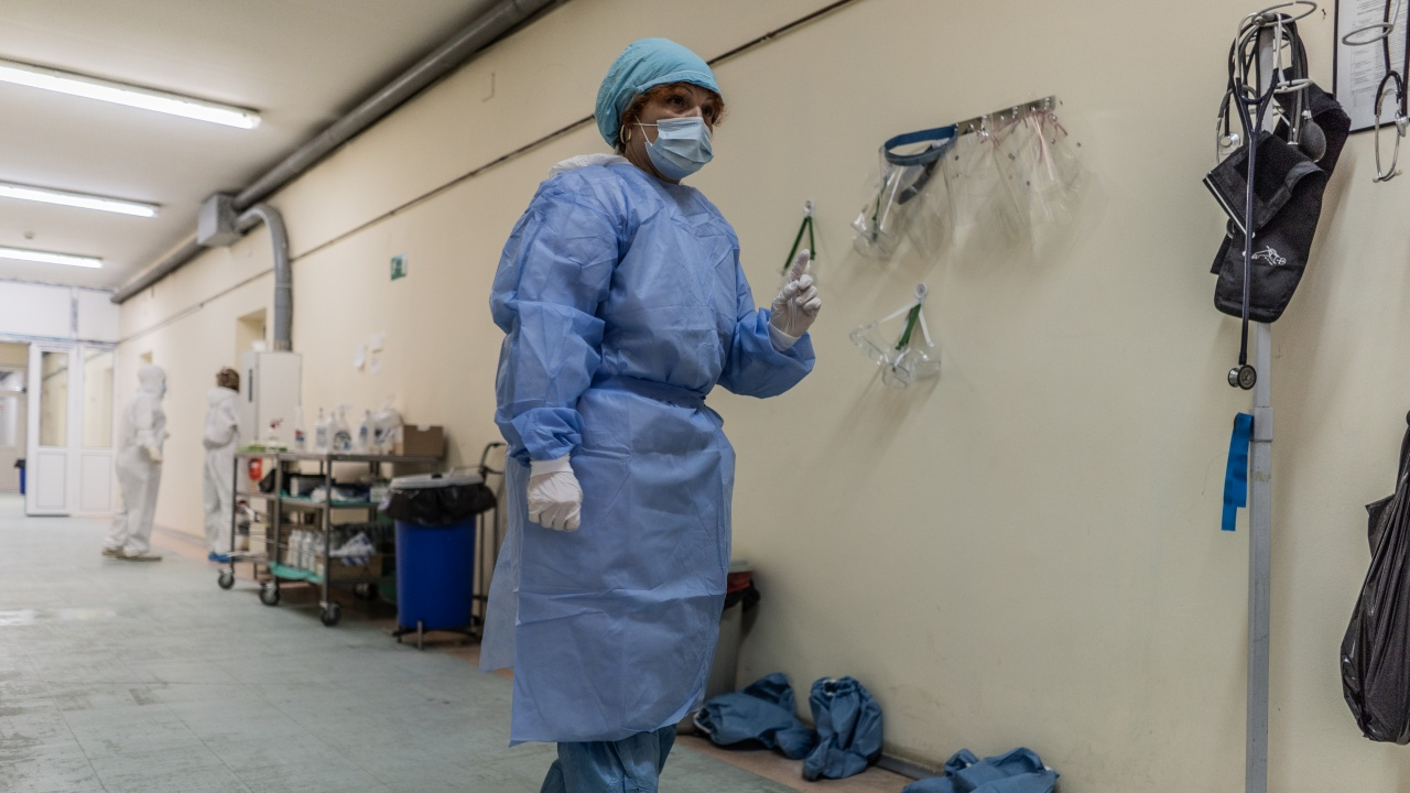 Близо 200 жертви на COVID у нас за денонощието. Отново има починали без заболявания