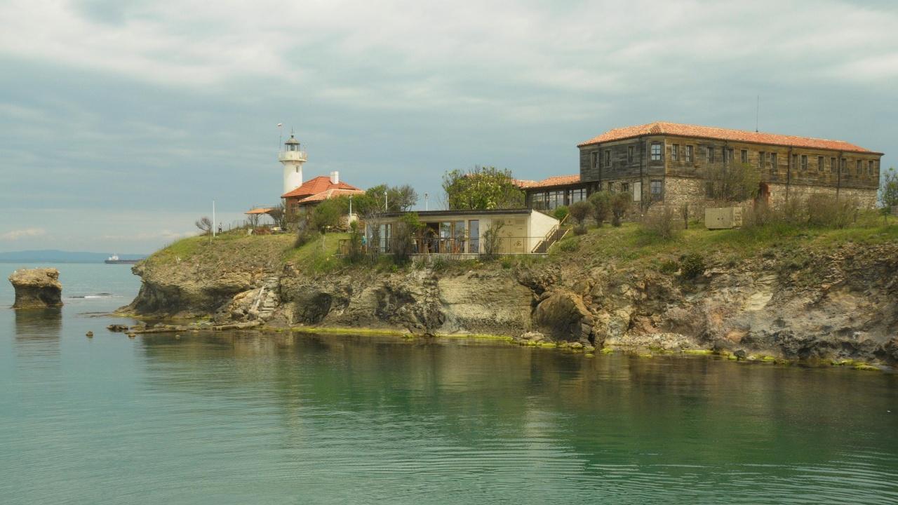 От 1 май започват туристическите разходки до острова Света Анастасия