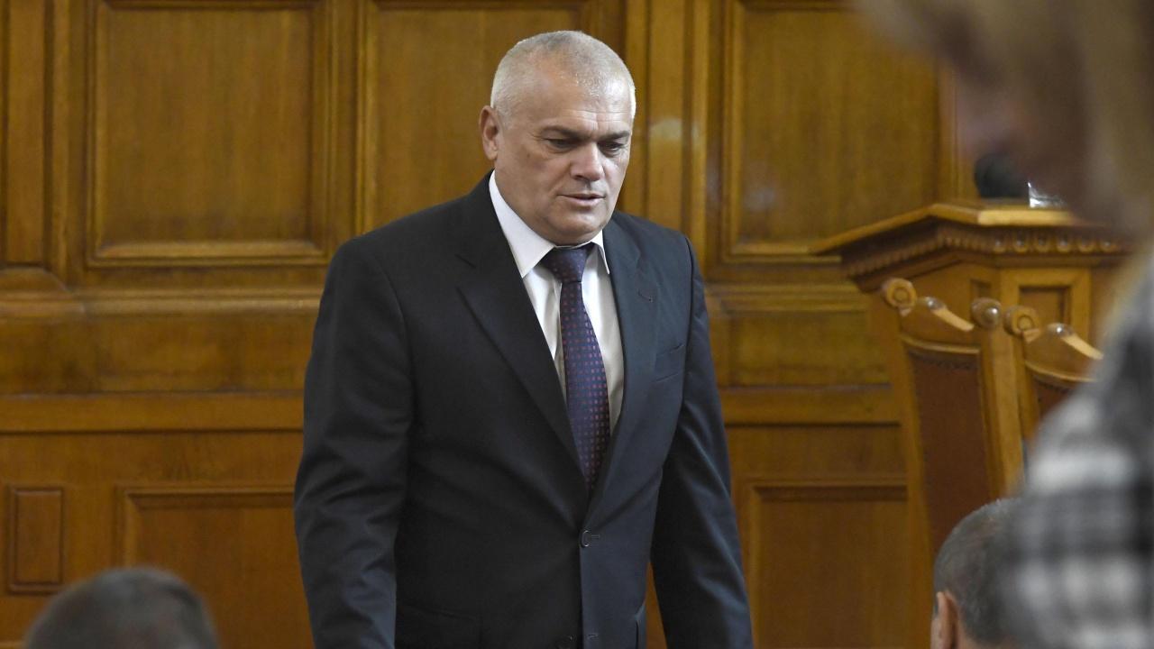 Валентин Радев: Закъде да се бърза?! Удобните депутати трябва да направят удобните промени в Изборния кодекс