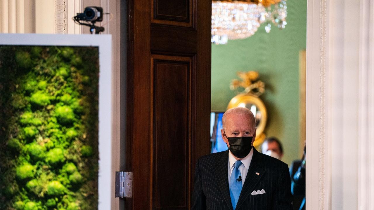 САЩ с изключителен напредък в борбата с COVID-19, хвали се Байдън