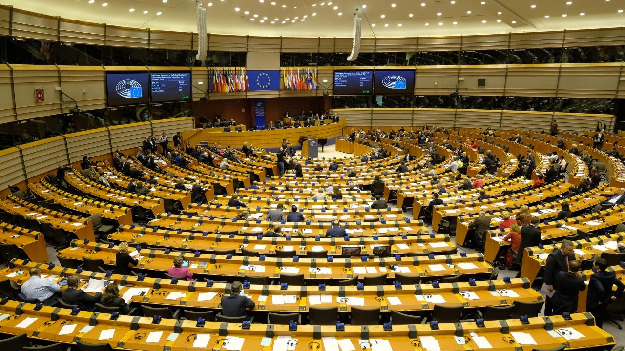 Европейският парламент одобри търговското споразумение между ЕС и Обединеното кралство