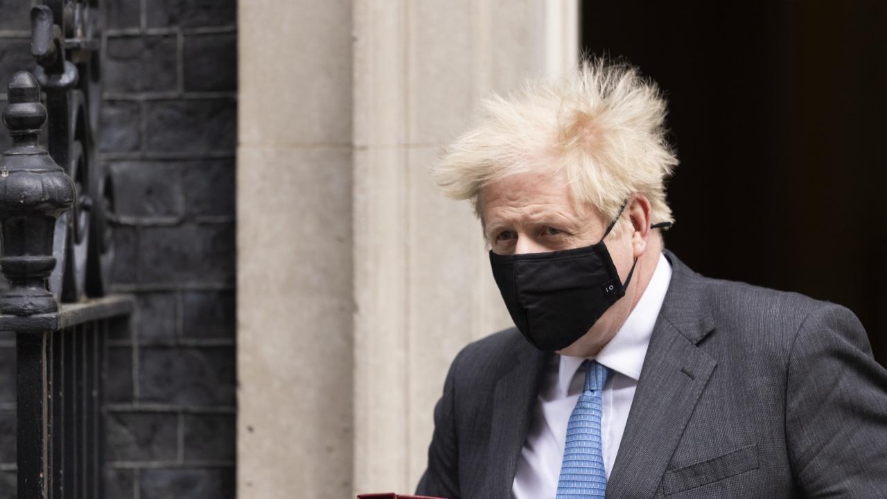Борис Джонсън заяви, че е платил за ремонта на апартамента си