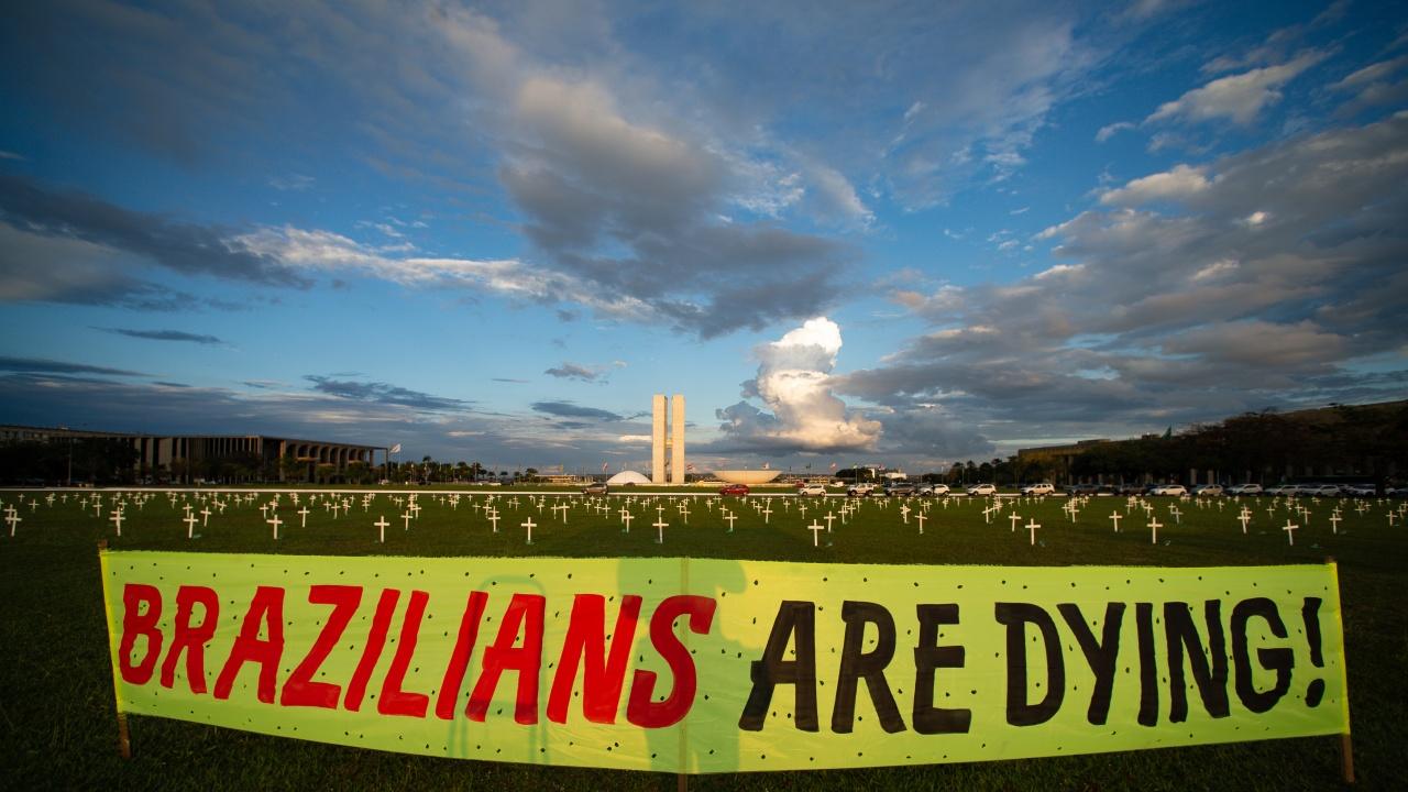Бразилия приближава прага от 400 000 починали от COVID-19