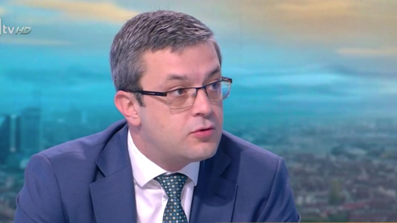 """Биков: Ще гласуваме отново срещу дневния ред, отхвърлиха точките за """"Росенец"""" и за субсидиите от 1 лв."""