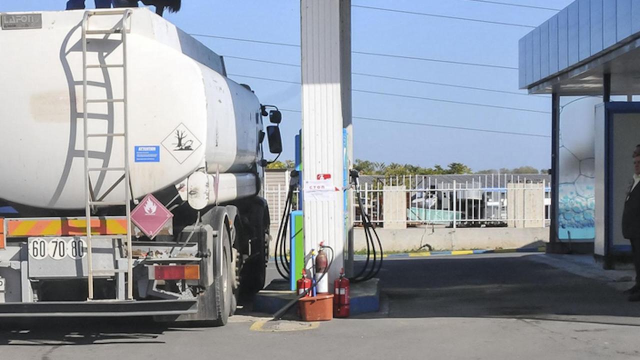 През февруари спрямо януари производството на безоловен бензин нараства с 8.3 на сто