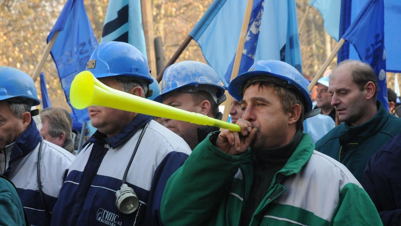 Синдикални организации се обединяват в Национална конфедерация на труда