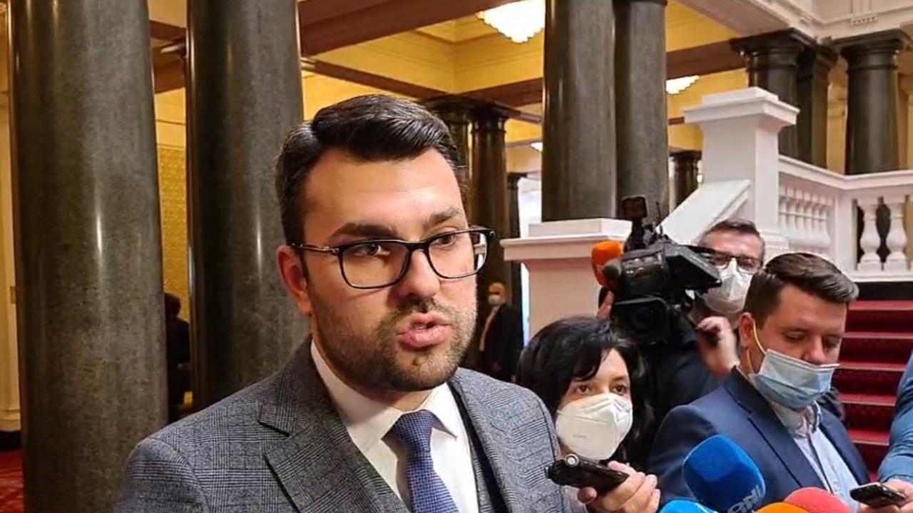 ГЕРБ предупреди за поразиите на Демократична България: Ресурсите на олигархията и мафията ще се освободят