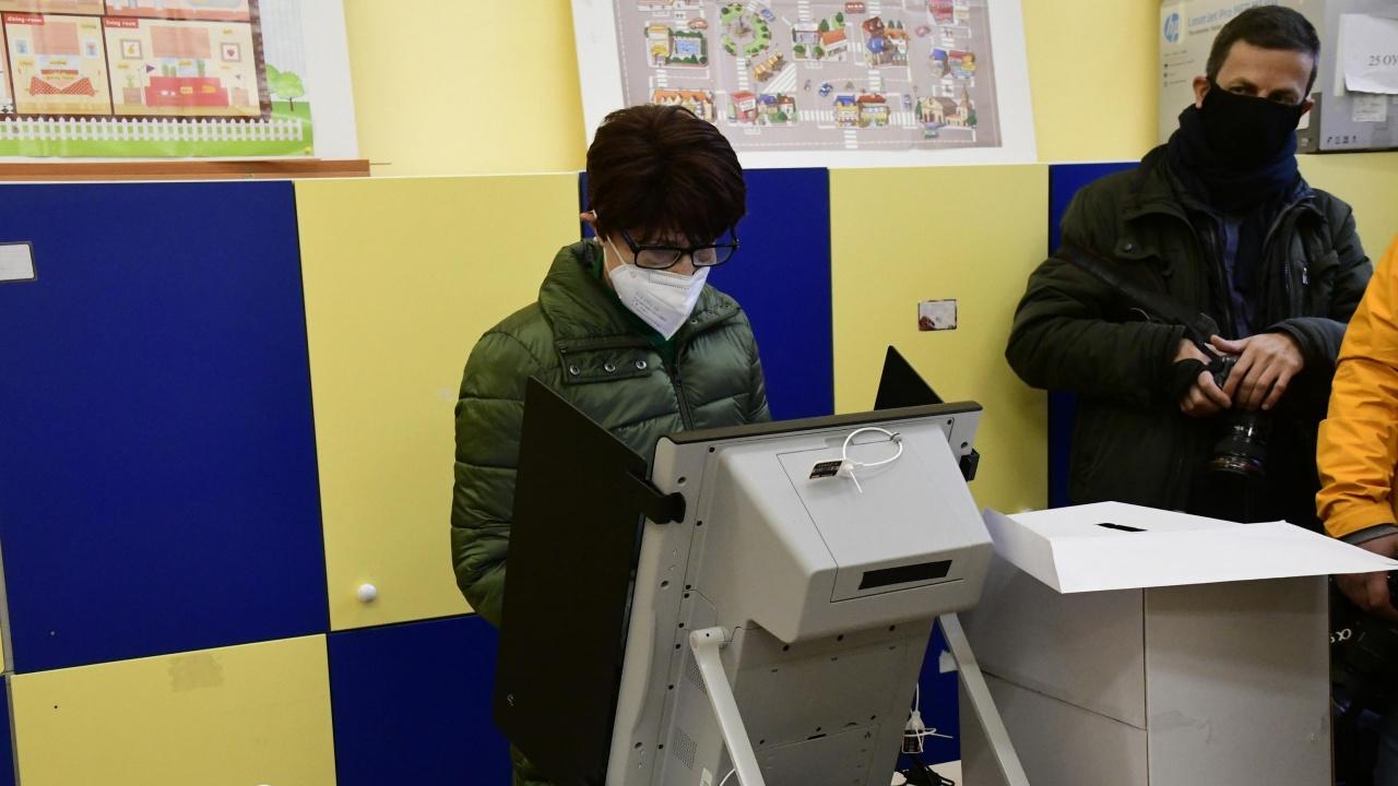 Гласуваме само с машини, бюлетината ще е изключение
