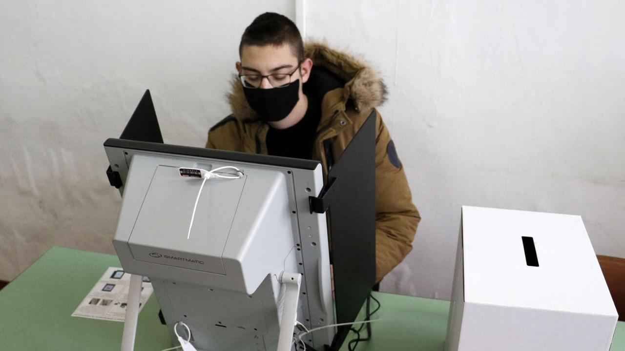 Николай Николов от ЦИК коментира преминаването изцяло към машинно гласуване