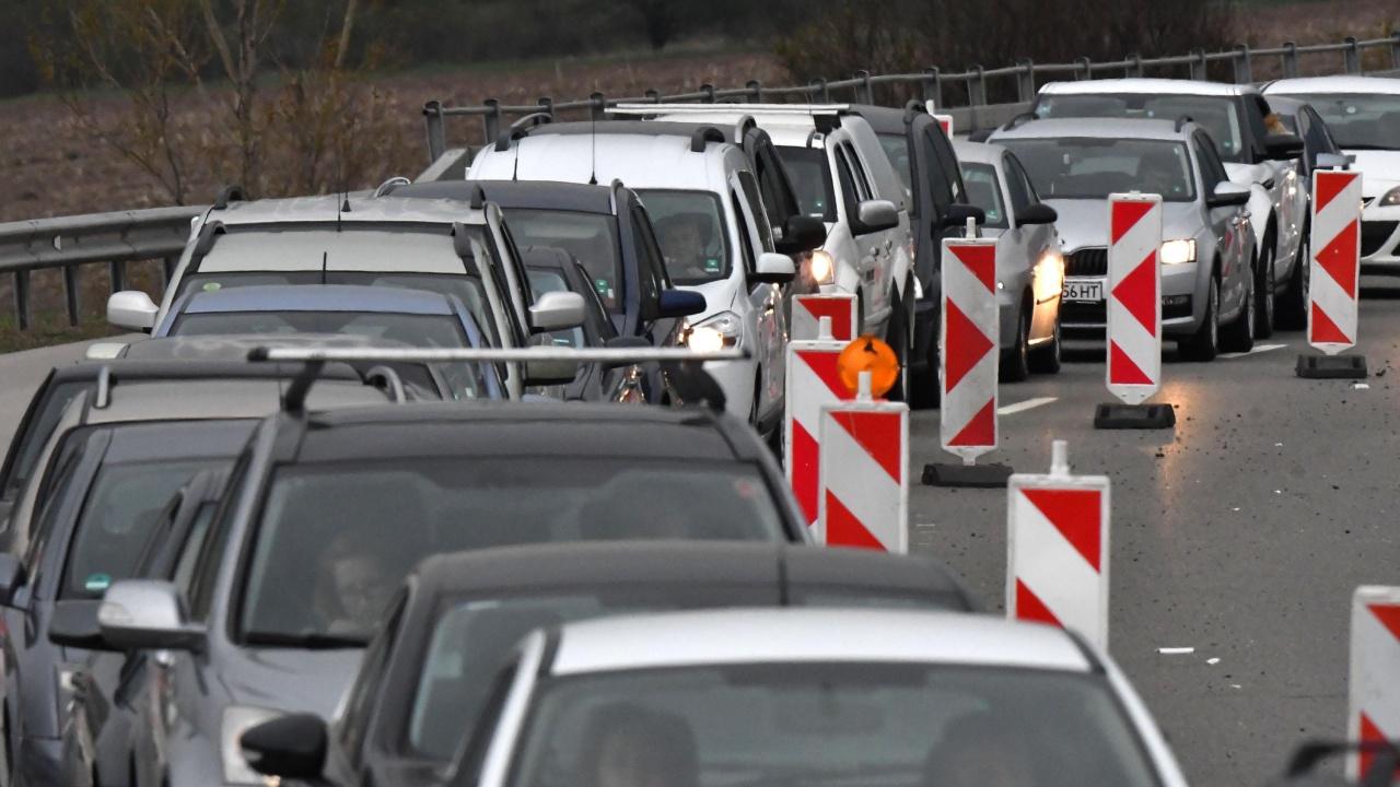 """Ад на магистрала """"Тракия"""", тапата е 10 км."""