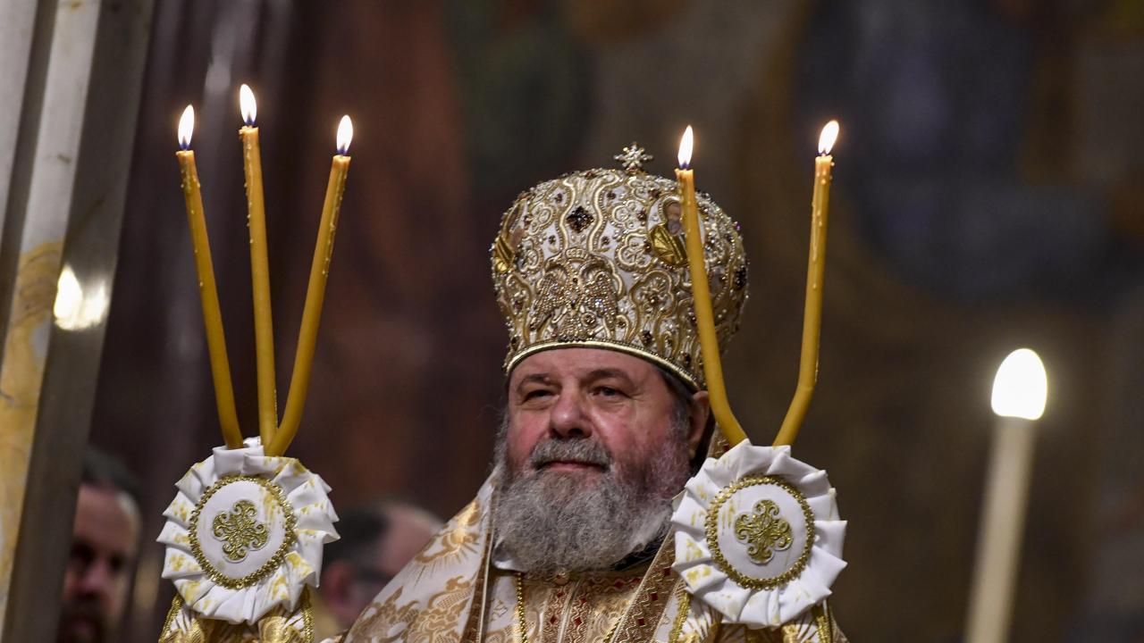 Врачанският митрополит ще води делегацията, която ще донесе у нас Благодатния огън