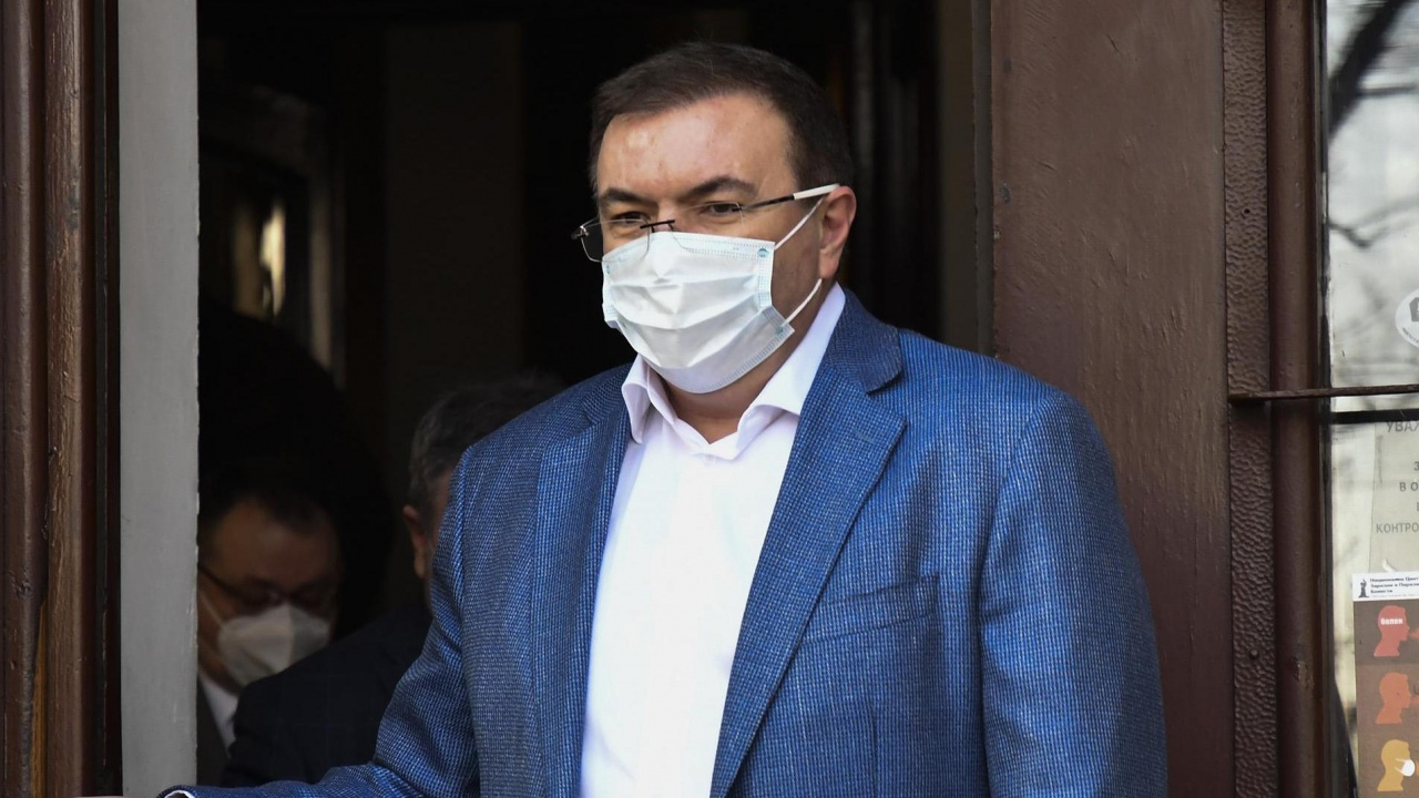 Костадин Ангелов каза кога можем да свалим маските
