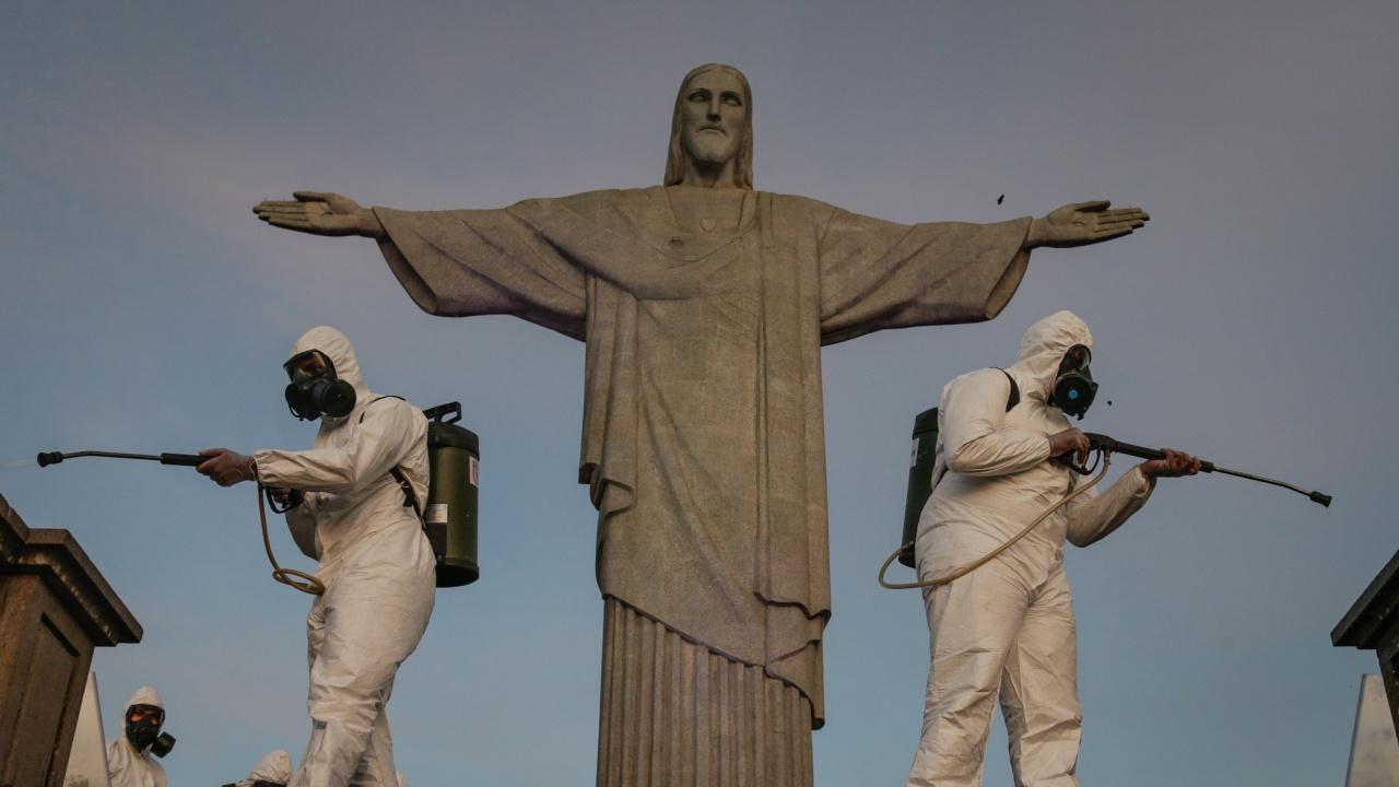 Жертвите на COVID-19 в Бразилия надхвърлиха 400 хил. души