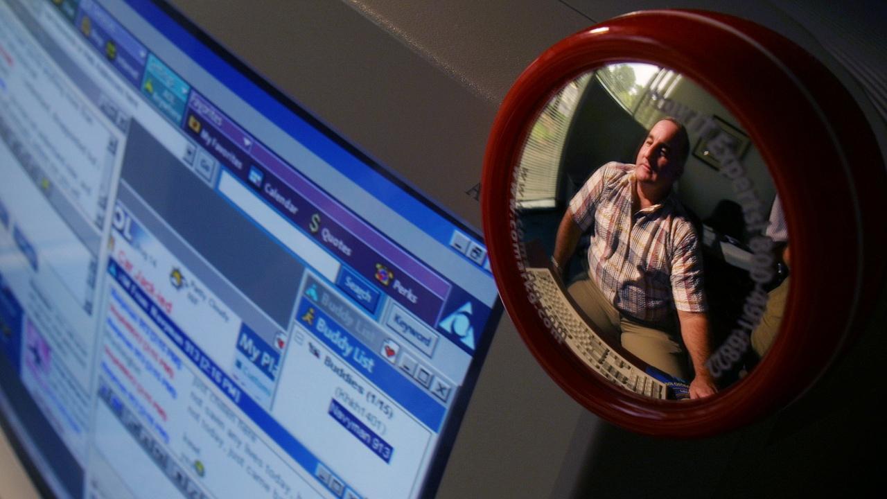 В Германия е разбита голяма мрежа в интернет за детско порно