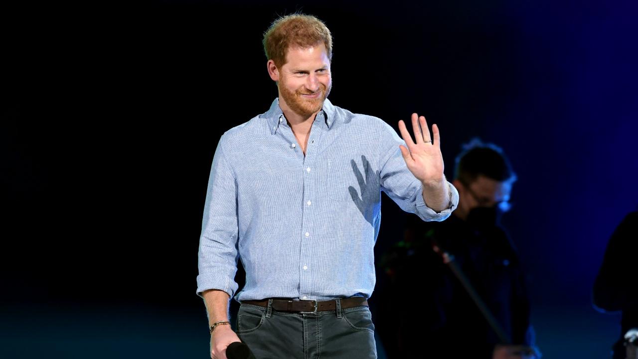 """Бурни аплодисменти за принц Хари на благотворителния концерт """"Vax Live"""""""