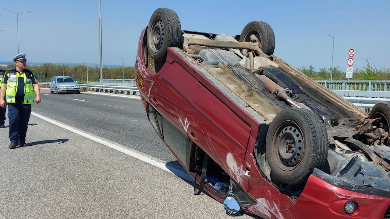 Катастрофа затапи движението на пътя Велико Търново - Русе