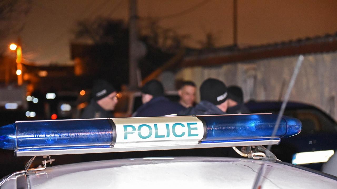 Намериха мъж в безпомощно състояние на улица в Благоевград