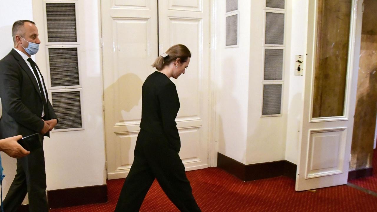 Ива Митева към БСП: Вие се подиграхте с парламента!