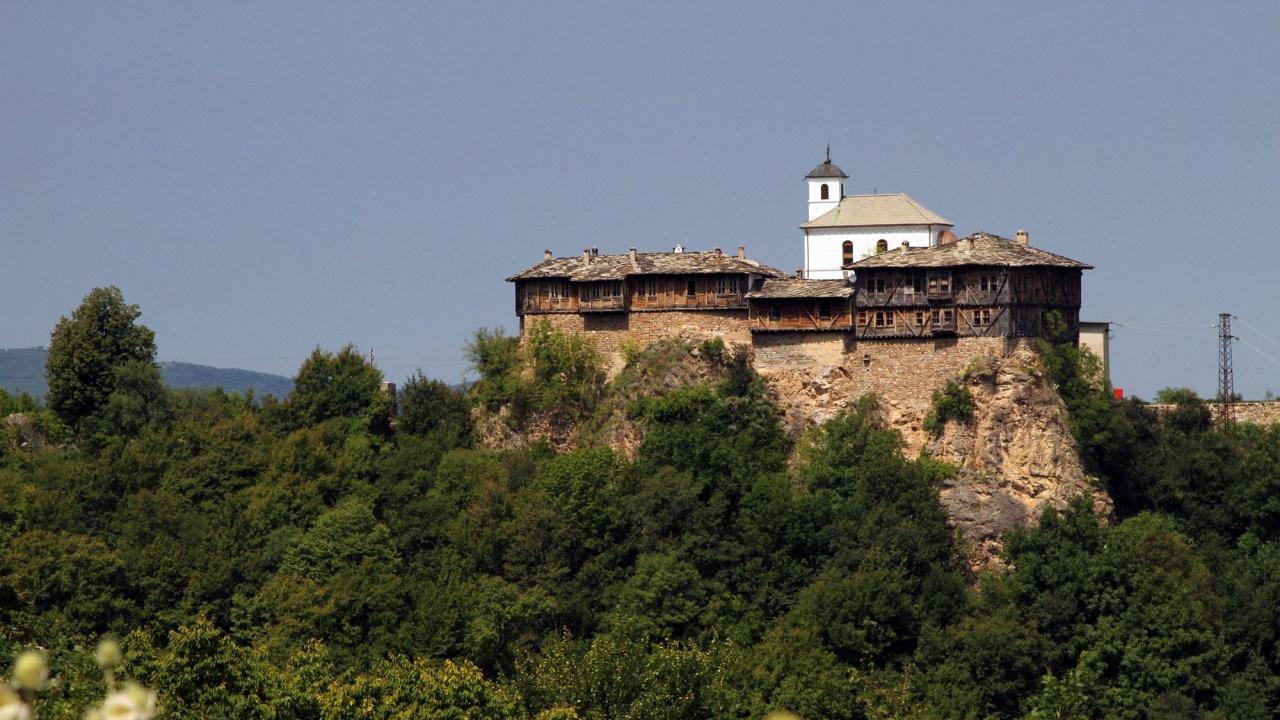 """Гложенският манастир """"Св. Георги Победоносец"""" отбелязва храмовия си празник"""