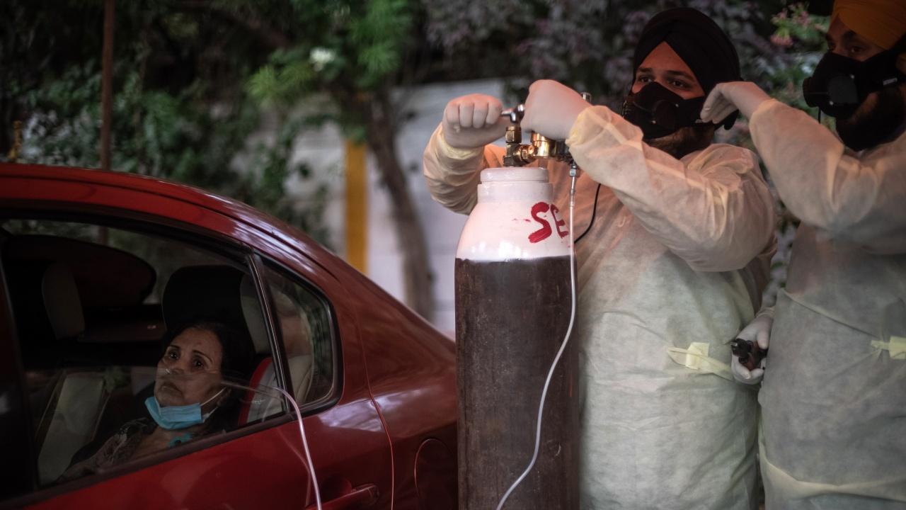 Индия с рекорден брой заразени и починали от COVID-19