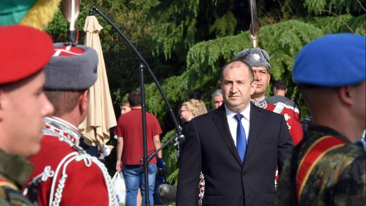 Радев за празника на Българската армия: Всички наши победи са рожба на единението