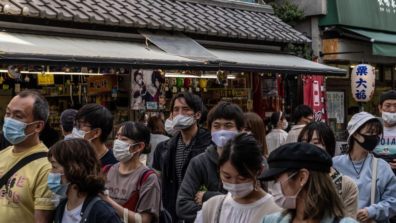 Япония удължава извънредните мерки до края на май
