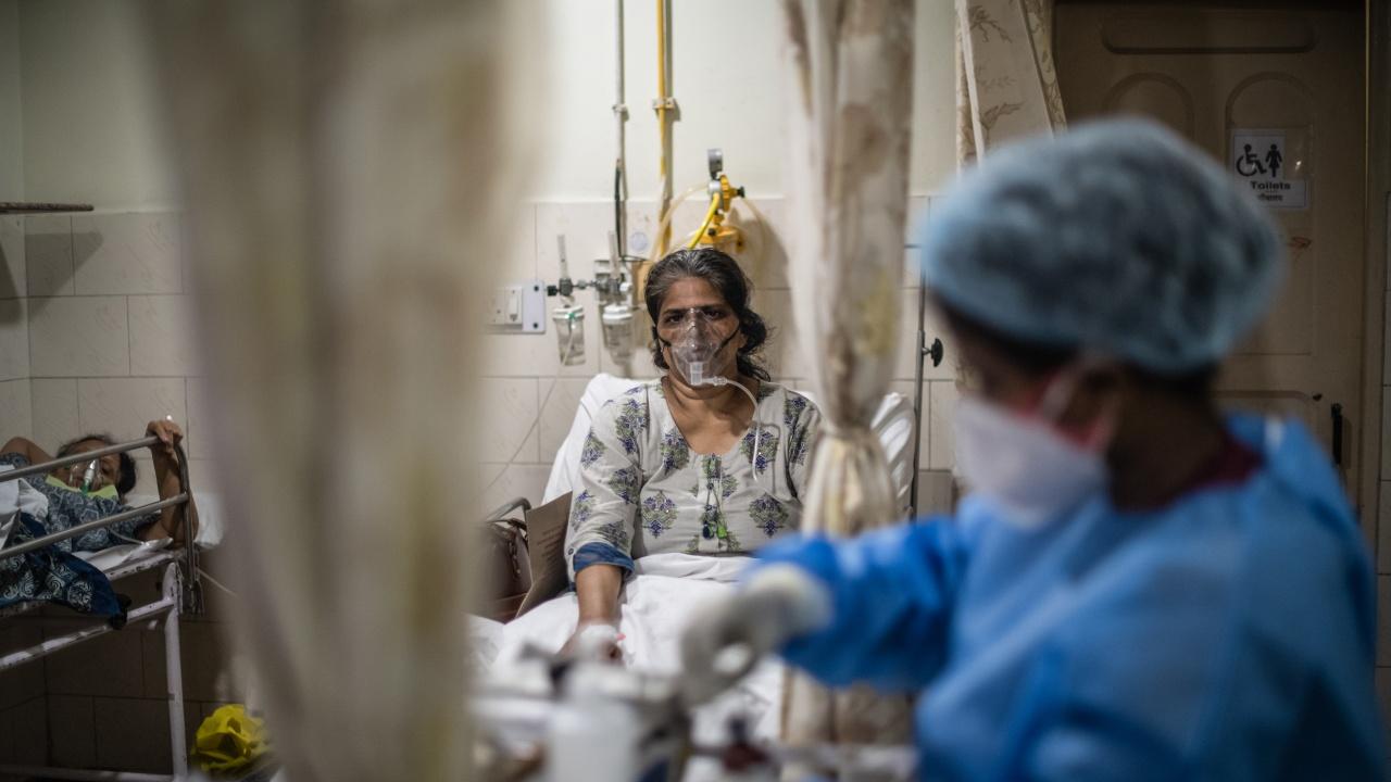 Индия регистрира 1,5 милиона нови случая на COVID за седмица