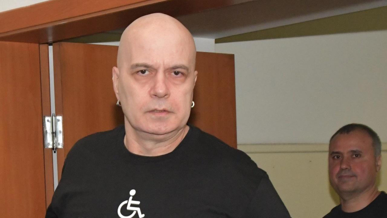 """""""Има такъв народ"""" пренареждат листите, Слави Трифонов е под въпрос"""
