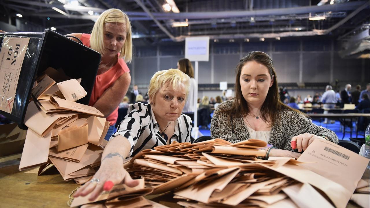 Партиите, които подкрепят независимост на Шотландия, печелят мнозинство в изборите за парламент
