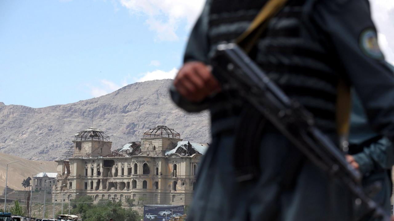 Жертвите от атентата в Кабул са вече 55, а 150 са ранени