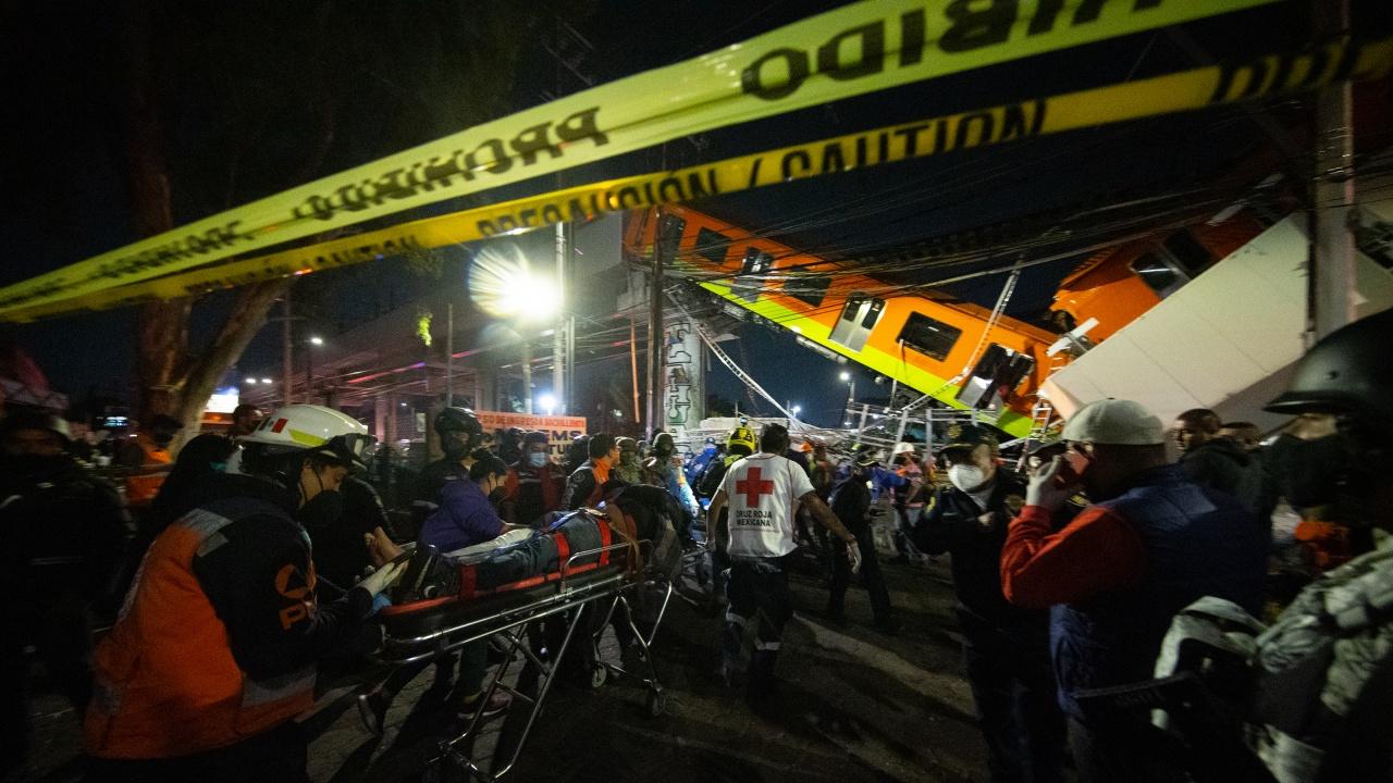 Близките на загиналите в произшествието с метрото в Мексико ще получат обезщетения