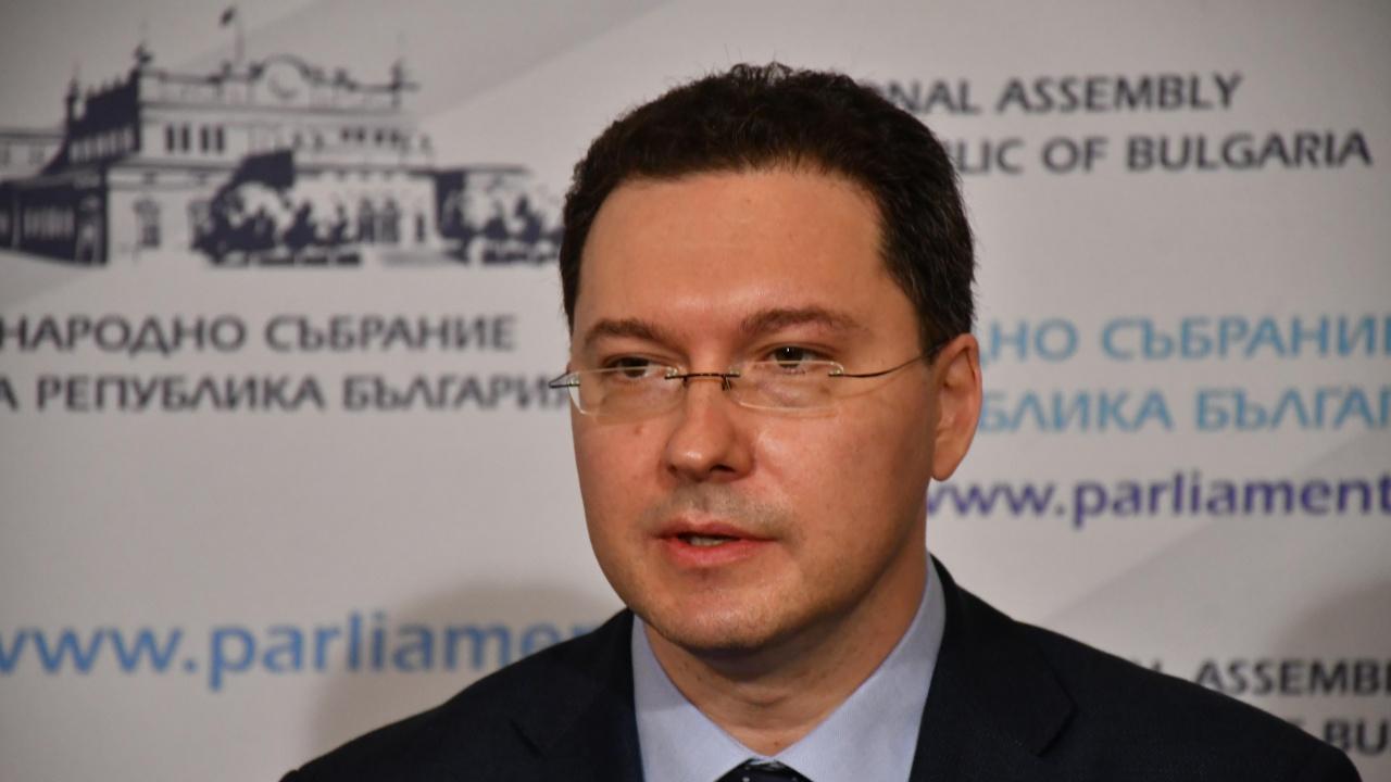 Даниел Митов: Русия прави опити за пренаписване на историята