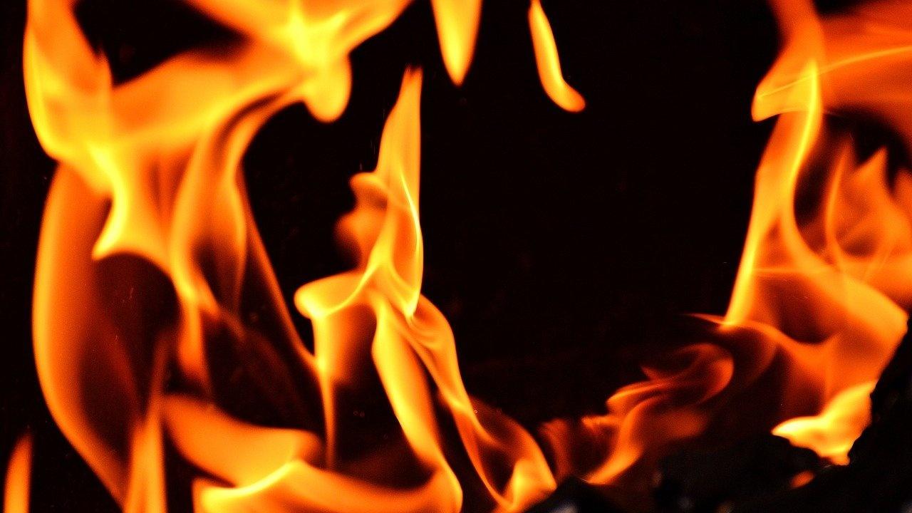 Пожар изпепели жилище в Пазарджик, по чудо няма пострадали