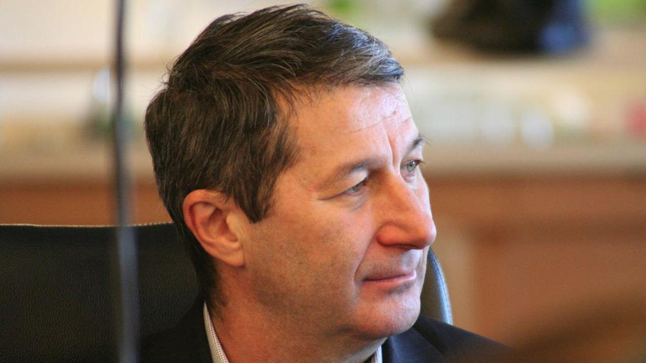 """Владимир Каролев вече е в """"Пирогов"""", все още има опасност за живота му"""