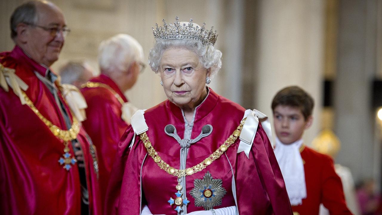 Елизабет II открива новата парламентарна сесия с традиционната си реч