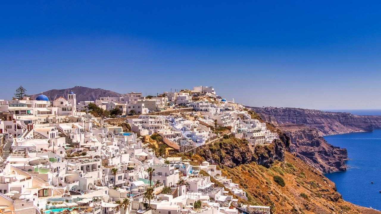 Гърция очаква първите чуждестранни туристи с надежда и несигурност