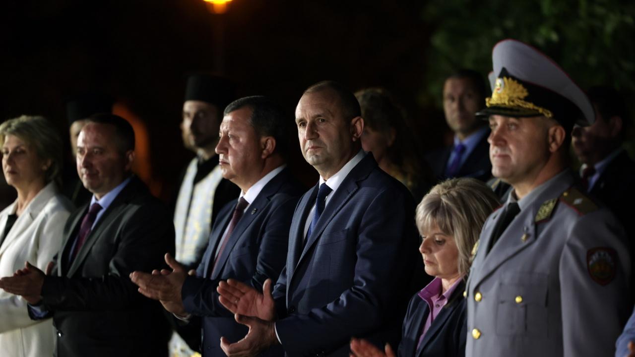 Радев: Най-високият олтар е онзи, пред който обричаме живота си на отечеството