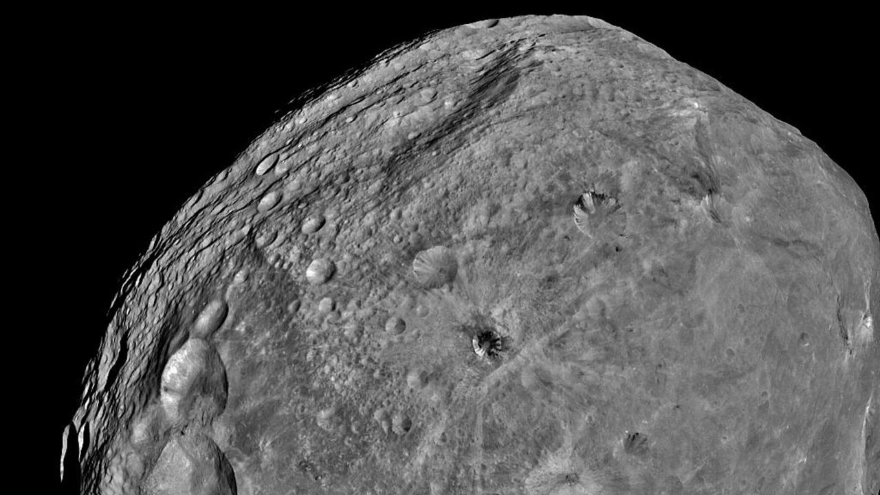 Сондата ОСИРИС-РЕКС пое по обратния път към дома с проби от астероида Бену