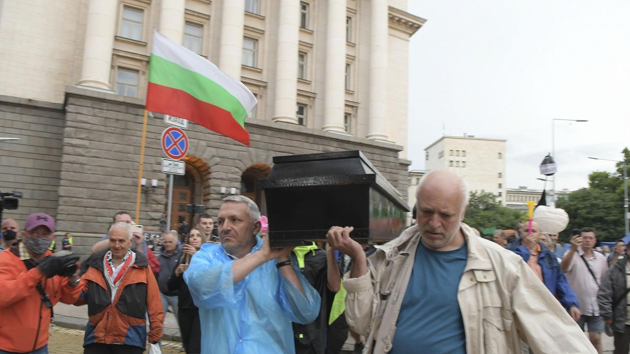 Стъки: За министър на културата е назначен човек, който плашеше инакомислещите с ковчези и хвърляше яйца по паметници на културата