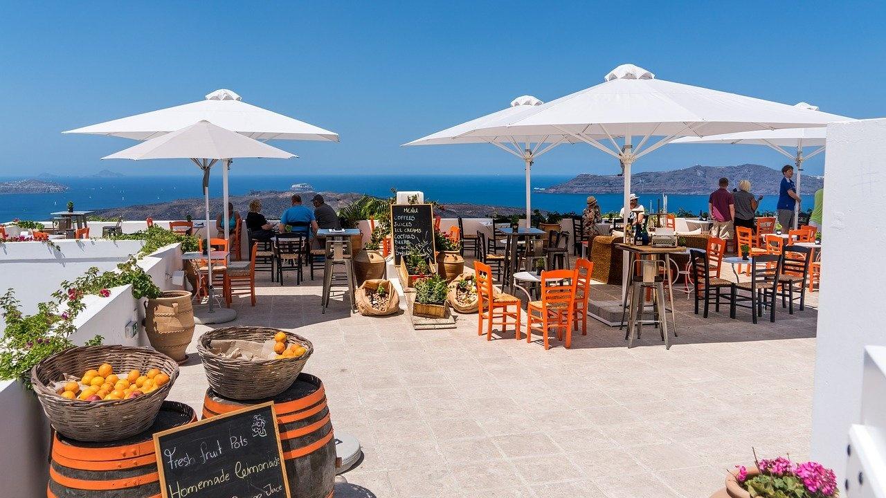 Пускането на музика в ресторантите в Гърция ще бъде разрешено от началото на юни