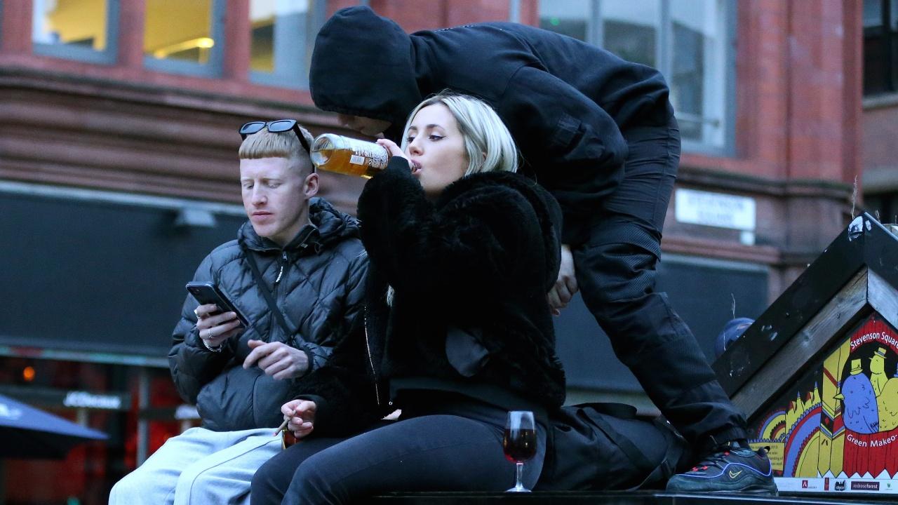 Учени: Алкохолът сближава хората