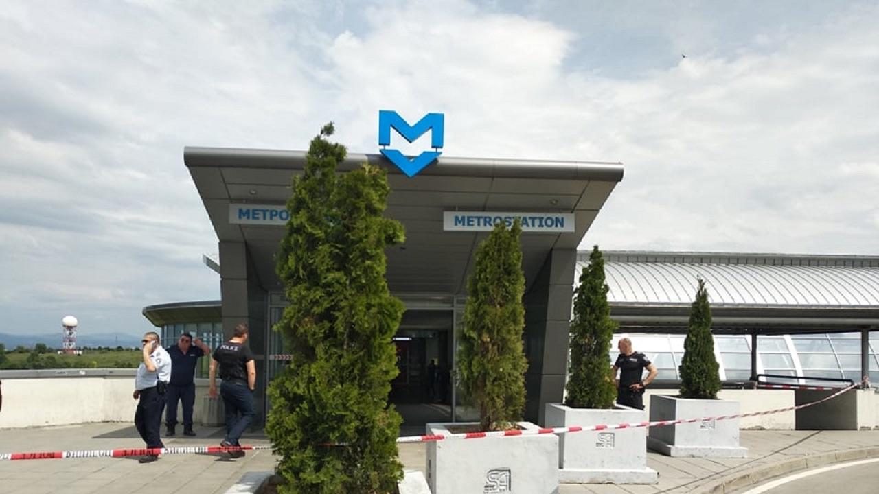 """Движението на метрото до летище """"София"""" е възстановено"""