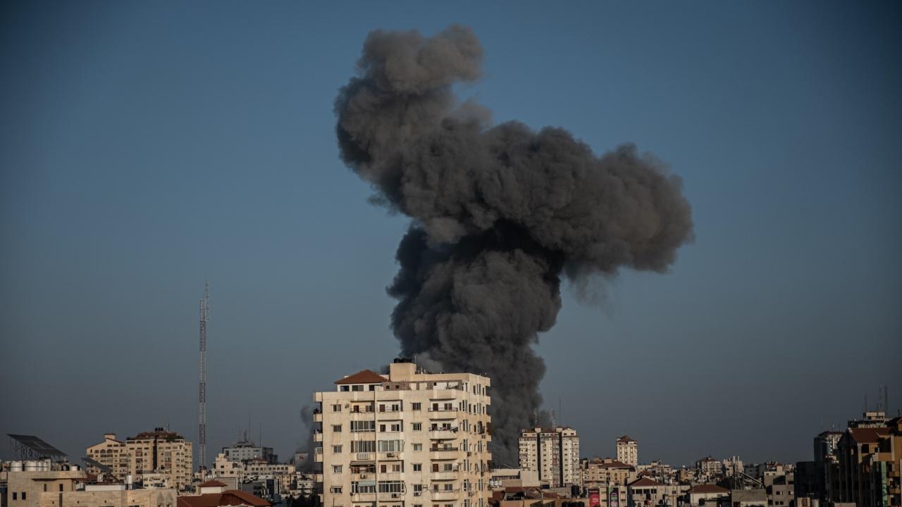 Нови сблъсъци между евреи и араби избухнаха в редица израелски градове