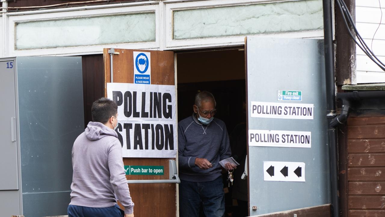 Великобритания въвежда по-строги изисквания към избирателите