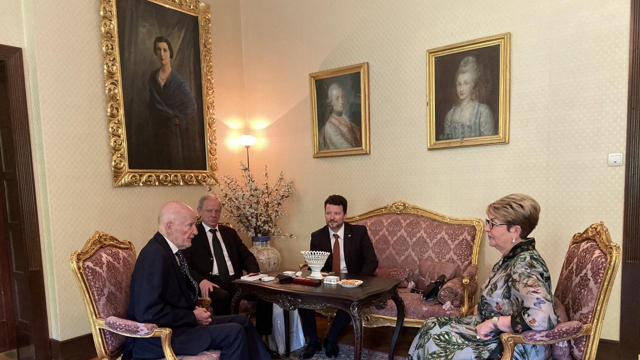 Руската посланичка се срещна със Симеон Сакскобургготски