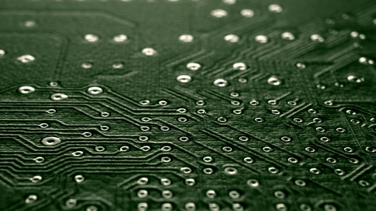 Учени създадоха електронно устройство с рекордно малък размер