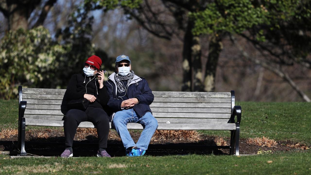 Здравната агенция на САЩ: Ваксинираните може да не носят маски на повечето места