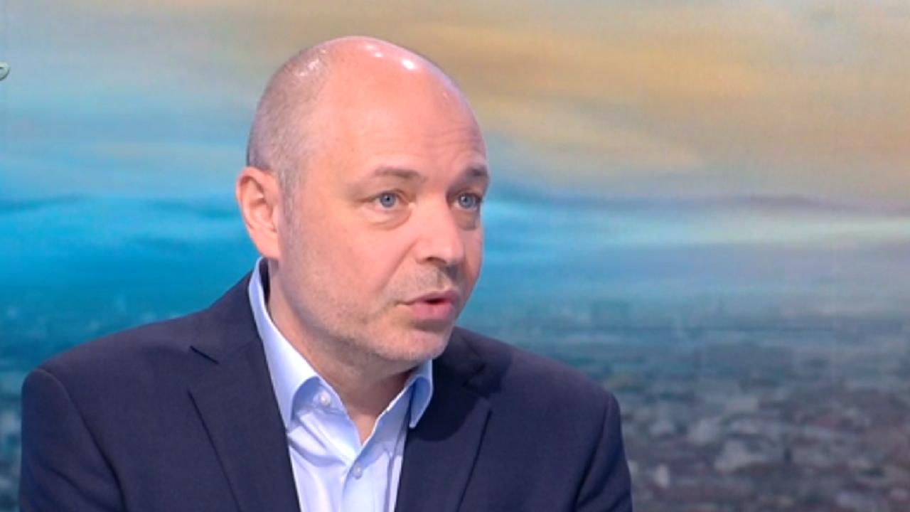 Проф. Габровски: Осезаемо е намаляването на случаите на COVID у нас