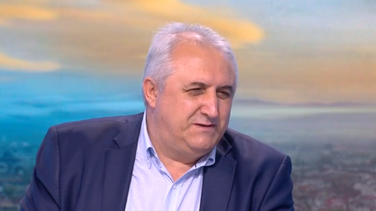 Мехмед Дикме: Илчовски е много емоционален, не знам кой го е подвел